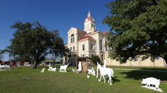 Texas Bandera courthouse and Christmas scene Stock Footage