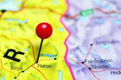 Roros pinned on a map of Norway Stock Photos
