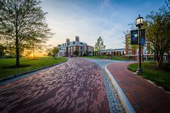 Driveway and Mason Hall at sunset, at Johns Hopkins University, Baltimore, Ma Stock Photos