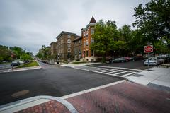 Intersection and buildings along Charles Street in Charles Village, Baltimore Stock Photos