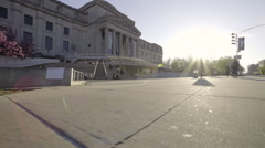 Establishing dolly shot of the Brooklyn Museum in Prospect Heights Stock Footage