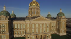 Des Moines State Capitol Early Morning 009 Boom Up High Stock Footage