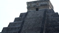 Chichen itza mayan pyramid Stock Footage
