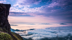 Sea of fog at Phu chi fa, Chiang rai, Thailand. Beautiful Sunrise, dramatic clou Stock Footage