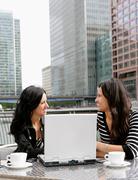 Businesswomen meeting at cafe Kuvituskuvat
