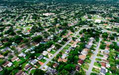 Aerial view of residential structures in urban sprawl, Miami, Florida, USA Kuvituskuvat