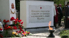 The eternal flame at the celebration of Victory Day Stock Footage