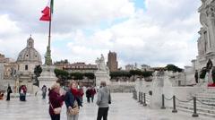 Tourists Rome, Italy, Piazza Venezia, Vittoriano Or Altere Della Patria Monument Stock Footage