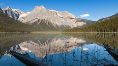 Mountains and reflections at Emerald Lake, Yoho National Park, Canada Stock Photos