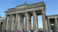 Brandenburger Tor in Berlin. people walking across the place Stock Footage