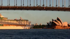 Cruise ship turns around on Sydney Harbour, in time lapse. Stock Footage