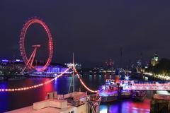 LONDON, UNITED KINGDOM – 18 MAY 2016: London Eye is the tallest Ferris wheel Kuvituskuvat