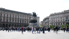 Monument Equestre A Vittorio Emanuele II - piazza Duomo, Milan Stock Footage