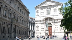Croud of people in center of Milan - Museo San Fedele Stock Footage