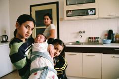 PREROV, CZECH REPUBLIC, JUNE 25, 2013:Portrait of a Gypsy family at home Czech Kuvituskuvat