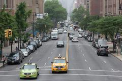 NEW YORK CITY - JUNE 14 2015: town congested street and avenue also on sunday Kuvituskuvat