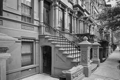 New York houses in Perron in Harlem in black and white Stock Photos