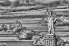 New York statue of liberty black and white vertical isolated silhouette Kuvituskuvat