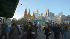 4k moving shot of people crossing a crosswalk in downtown Melbourne, Australia Stock Footage
