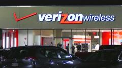 4k Verizon Wireless cellphone store Stock Footage