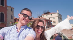 Portrait Happy Couple Enjoyment Love Travel Vacation City Leisure Famous Stock Footage