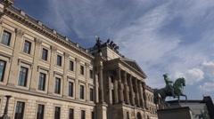 4k Braunschweig Quadriga statue tilt down Stock Footage