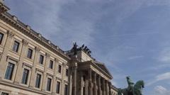 4k Braunschweig Quadriga statue zoom in Stock Footage