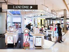 Lancome boutique in Siam Paragon Mall, Bangkok - stock photo