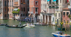 Grand canal Venice, Italy. Gondolas at Grand Canal. Venezia Grand Canal Stock Footage