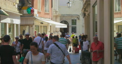 Busy crowded shopping street in Venice, Italy. Venezia shopping street Stock Footage