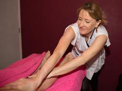 Woman having a professional therapeutic body, leg health Stock Photos