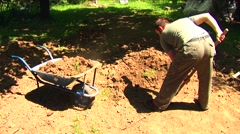 Man digging 03 Stock Footage