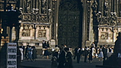 Milan 1958: people walking in front of the Duomo Stock Footage
