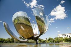Floralis Generica sculpture, Buenos Aires, Argentina Kuvituskuvat