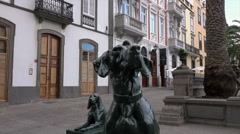 Las Palmas Vegueta district, dog statues Santa Ana Square, Spain Stock Footage