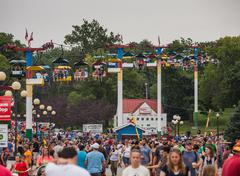 DES MOINES, IA /USA - AUGUST 10, 2014: Attendees at the Iowa State Fair Kuvituskuvat