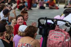 DES MOINES, IA /USA - AUGUST 10,2014:girl in audience at the Iowa State Fair on  Kuvituskuvat