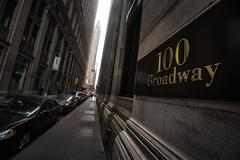 100 Broadway at lower Manhattan Stock Photos