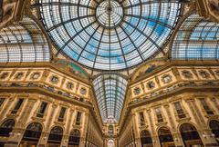 Galleria Vittorio Emanuele II shopping arcade, Milan, Italy Kuvituskuvat