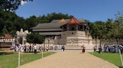 People visit Temple of Tooth (Dalada Maligava) in Kandy, Sri Lanka. Stock Footage
