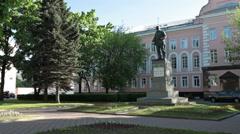 Small monument of Vladimir Ilyich Ulyanov, alias Lenin. Russia Stock Footage