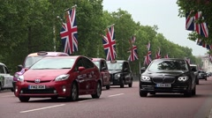 4K Buckingham Palace, London, Cars,Cabs Traffic on The Mall, Downtown, City View Stock Footage
