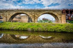 The Stone Arch Bridge, in downtown Minneapolis, Minnesota. Kuvituskuvat