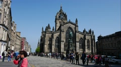 St Giles' Cathedral on High Street is the historic City Church of Edinburgh Stock Footage