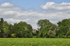 Woerlitzer Park, Venus Temple behind trees Stock Photos