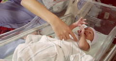 Family With New Born Baby In Hospital Labor Ward Shot On R3D Arkistovideo