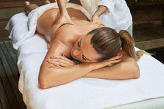 Asian back massage theraphy spa hot stone Kuvituskuvat