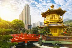 Pagoda and pavilion, Nan Lian Garden, Diamond Hill, Hong Kong, China Stock Photos