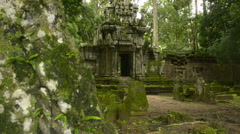 Angktor thom temple Unesco world heritage site dolly Stock Footage