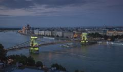 The Parliament and Chain Bridge on the Danube at dusk, Hungary, Budapest Stock Photos